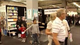 Urdu Report: Ahmadiyya Muslim Jama'at's Book Stall in Gothenburg Sweden
