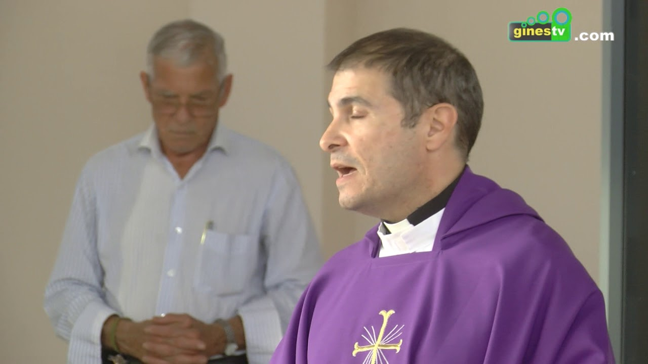 Una gran cantidad de personas participaron en la misa en honor a los Fieles Difuntos
