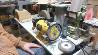 Truing a grinding wheel talk