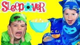 PJ Masks BOX FORT SLEEPOVER PARTY with Catboy & Gekko & PJ Masks Toys