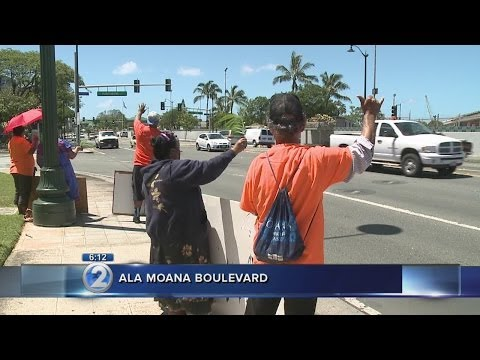 Hundreds rally in support of Micronesian medical benefits