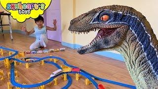 Pet Dinosaur wants a Toy Train!