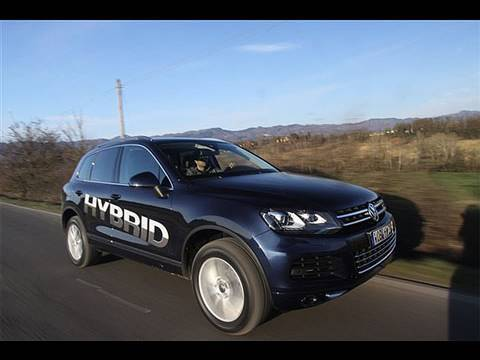 2011 VW Touareg Hybrid first drive review
