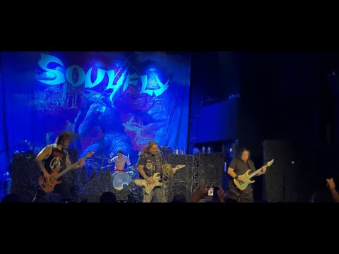 """SOULFLY perform new song """"Filth Upon Filth"""" live in NY w/ Dino Cazares of Fear Factory"""