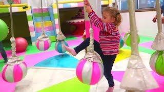 Melissa la TEREN de JOACA pentru Copii    PLAYGROUND for KIDS