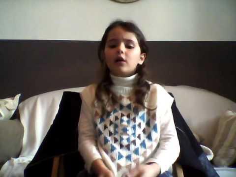 Lili 8 ans chante Amine senorita