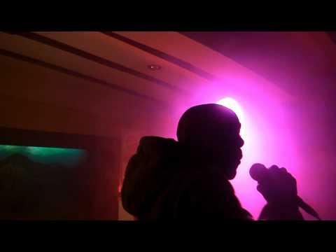 Youtube: Poseï Manifest – Au mic je blesse