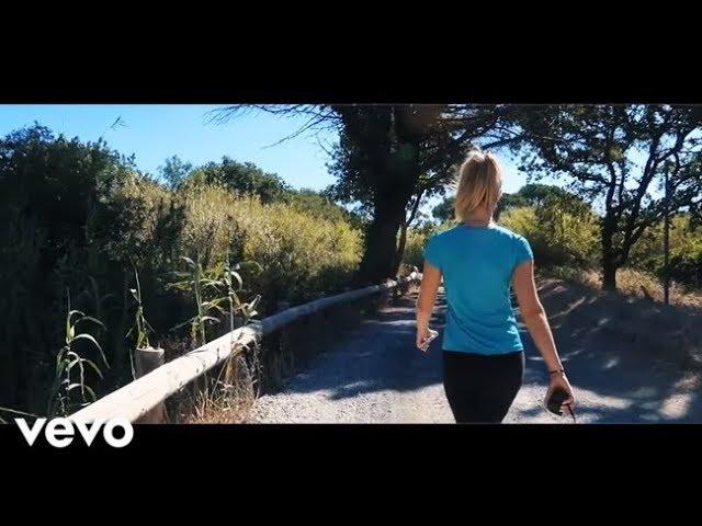 Shakira - Amarillo  (Music - Video)
