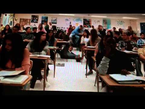 Persiguiendo Mavericks: Tráiler En Español HD 720P