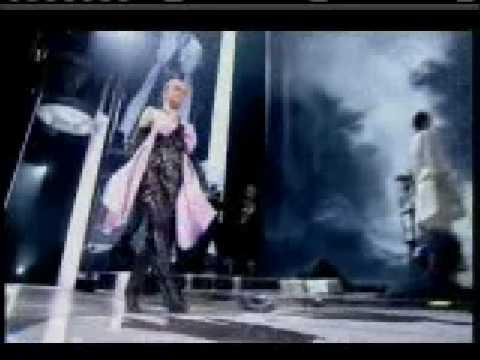 Lily Allen - LDN Rock Fashion 2007 (Live)