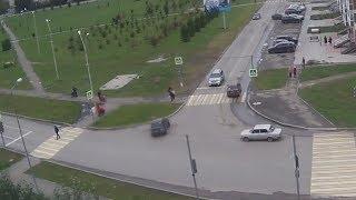 """""""Бессмертный"""" пешеход чуть не угробил других. Real Video"""