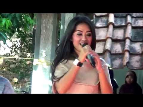 Karma Ning Dunya -  Triia Aulia - Arnika Jaya Live Babakan Sumber