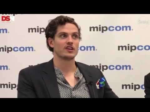LEGENDADO Entrevista com Daniel Sharman e Frank Spotnitz sobre a 2º Temporada de Medici   SRSLY