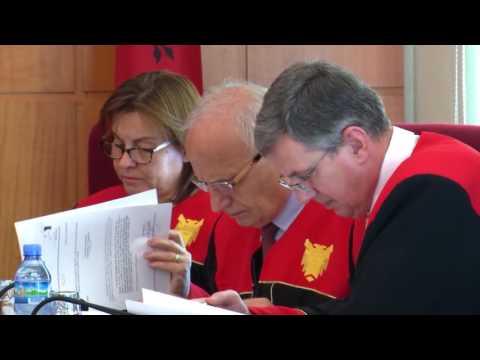 Report TV - Gjykata Kushtetuese rrëzon PD, ligji i Vettingut hyn në fuqi