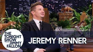 jeremy renner and his avengers co stars have an epic group text