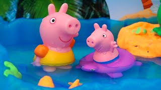 Peppa Pig Water Games ! Toys and Dolls Fun Playing with Peppa & George and Kinetic Sand