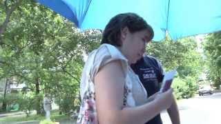Штаб Собянина. Сбор подписей в поддержку Сергея Собянина около библиотеки на Открытом шоссе