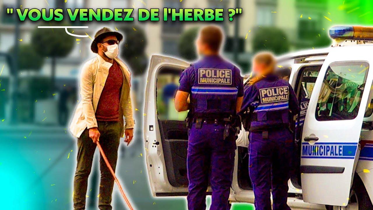 Un aveugle demande de l'herbe aux policiers - Prank - Les Inachevés