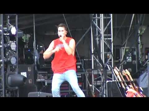 Russell Dickerson -   Yours @ Country USA 2018