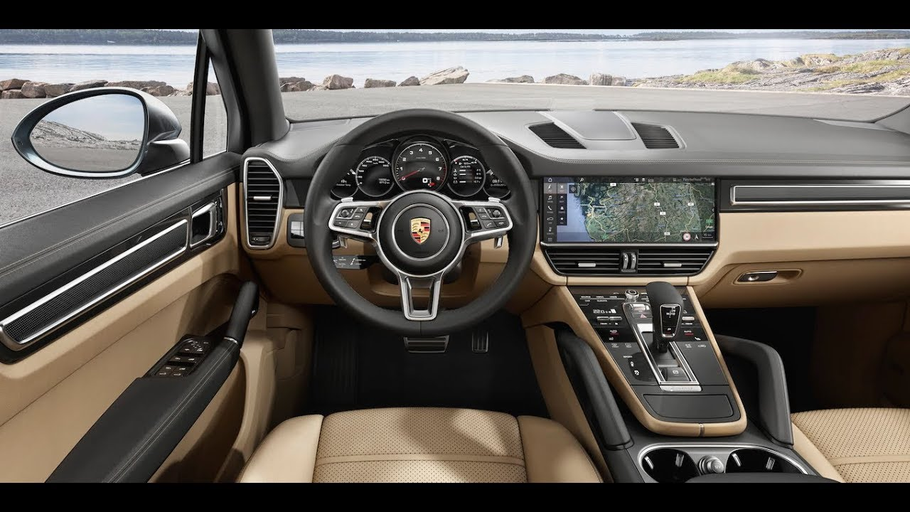 2019 PORSCHE CAYENNE /interior and exterior