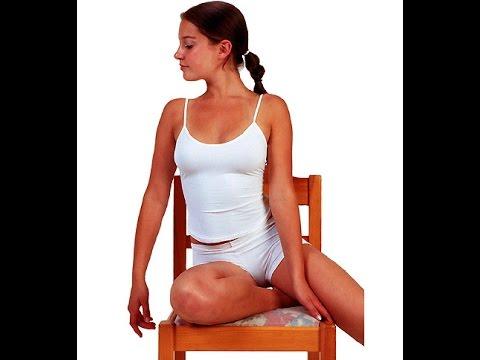 Позирование для фотосессии.  Женщины.  Позы сидя со стулом.