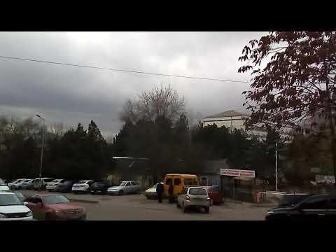 Новости Пятигорска: ураганный ветер ломает деревья и рушит заборы