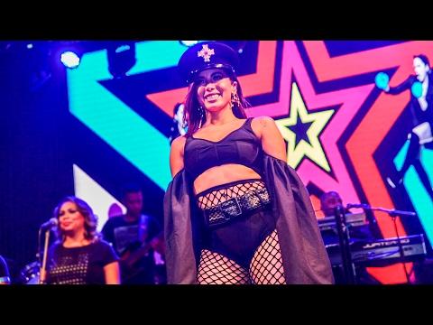 Anitta ensaio do Bloco das Poderosas na The Week em São Paulo 11/02/2017 [FULL HD]