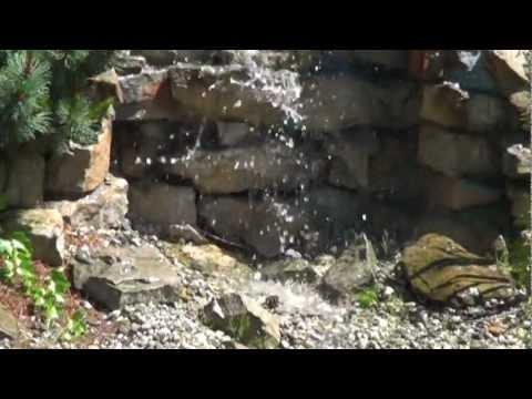 Mini Wodospad W Ogrodzie