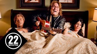 Warning: Don't invite Alan Doyle to your wedding | 22 Minutes