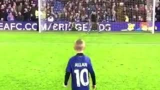 بالفيديو.. طفل بريطاني يحتفل بتسجيله هدفا على طريقة محمد صلاح - صحيفة صدى الالكترونية