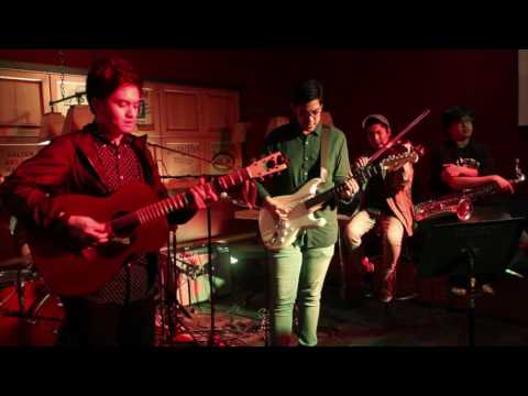 """Tom's Story feat. Clara Benin, Poch, Keifer and Miguel - """"Light"""" Live at the Stages Sessions"""