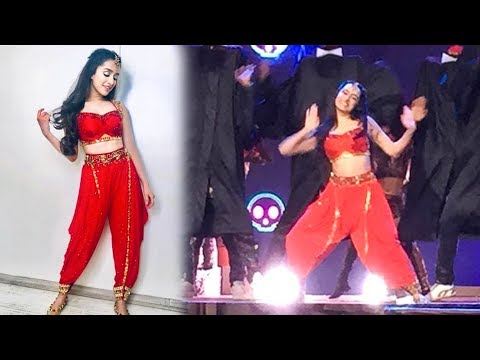 Shraddha Kapoor Dance In Red Dress At Star Screen Awards 2018