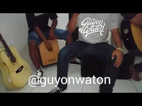 @GuyonWaton - ada aku disini ( cover ) dhyo haw