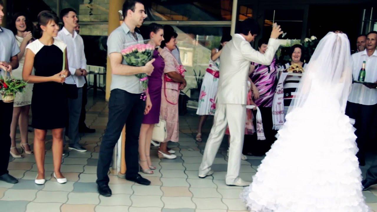 традиция бить бокалы на свадьбе