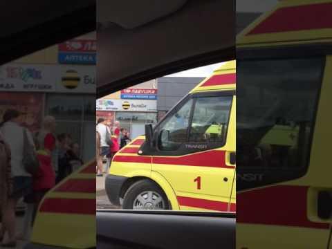 Автобус протаранил остановку с людьми в Иванове