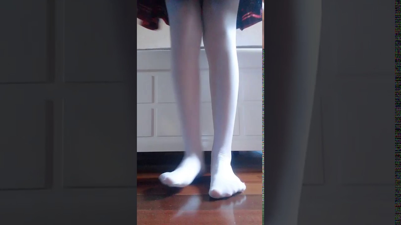 Cool Lolita white stockings change shoes with the rhythm of music!