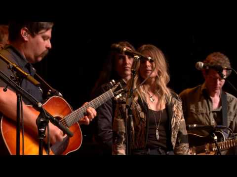 eTown Finale with Greensky Bluegrass & Elizabeth Cook - Feelin' Alright (eTown webisode #1112)