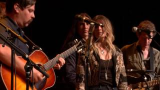 eTown Finale with Greensky Bluegrass & Elizabeth Cook - Feelin' Alright (eTown webisode #1112)