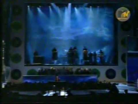 Alicia Keys - Fallin' (Live @ Video Music Awards 2001)