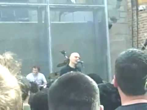 Smashing Pumpkins - Soot Stars (Full Band -Rock Version) - Live 4/17/2010 mp3