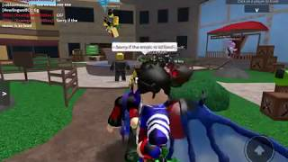 Playing mm2 with my friends(ROBLOX murder mystery 2)