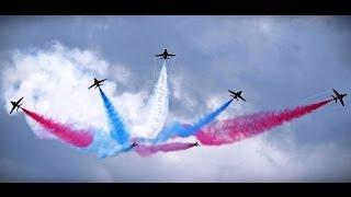 Samoloty wojskowe na świecie - Rewia w chmurach