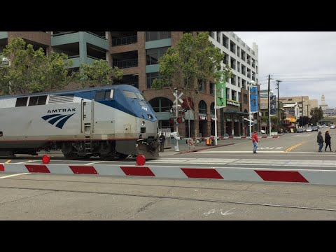 Amtrak 125 Capital Corridor, Washington Street Railroad Crossing Street Running, Jack London Square