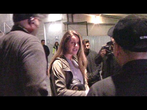 Lana Del Rey Confronts Photographer The Nicest Way Imaginable