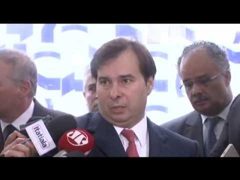 Rodrigo Maia comenta reunião de líderes que discutiu reforma política