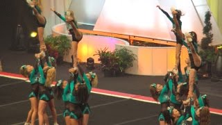 Cheer Extreme Raleigh Jr. 3Lite Queens kick off Summit 2017