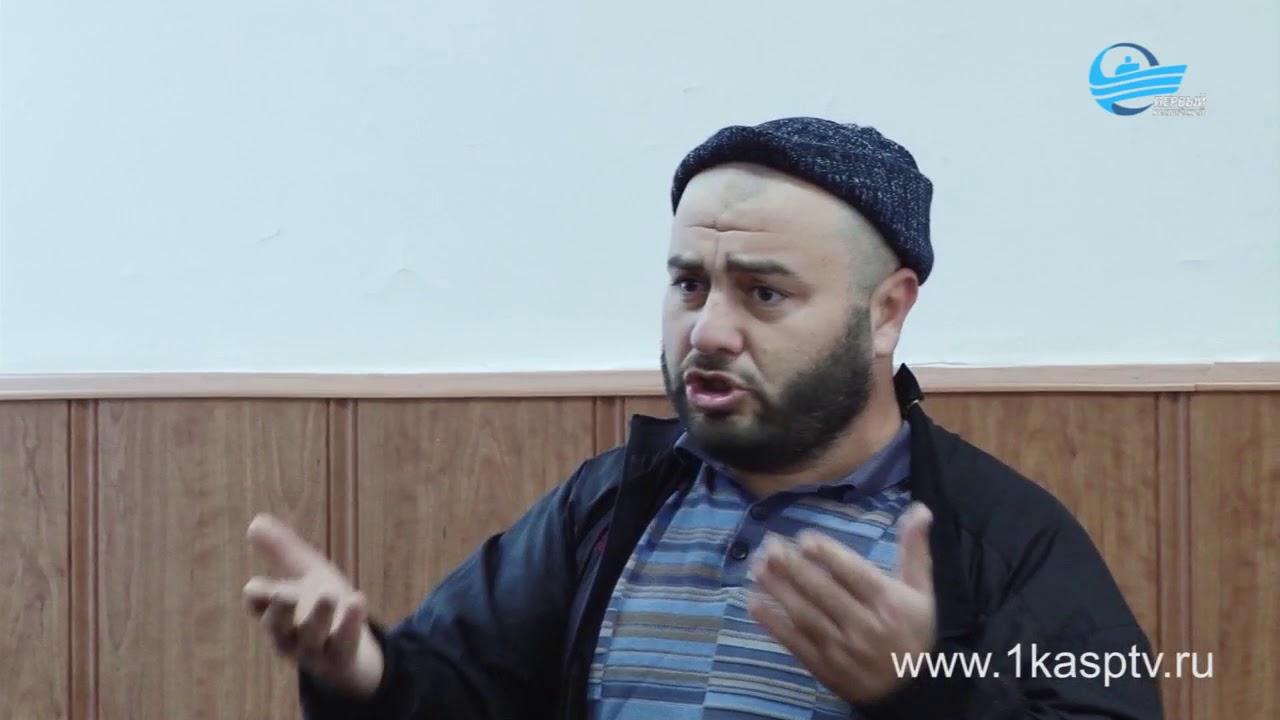 Главный жилищный инспектор Дагестана Али Джабраилов рассмотрел обращения каспийчан на приеме граждан в городской администрации