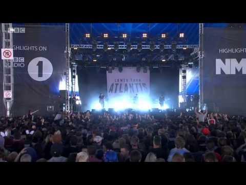 Lower Than Atlantis @ Reading Festival - R1 NME Stage - 23.08.2014