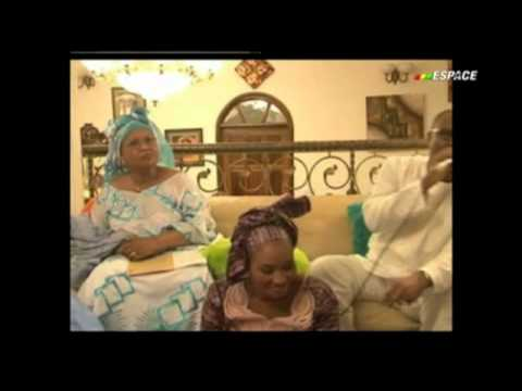 Kandia Kouyaté, Sekouba Bambino & Fadama Babou en vidéo (Extrait) kebediarassi.com