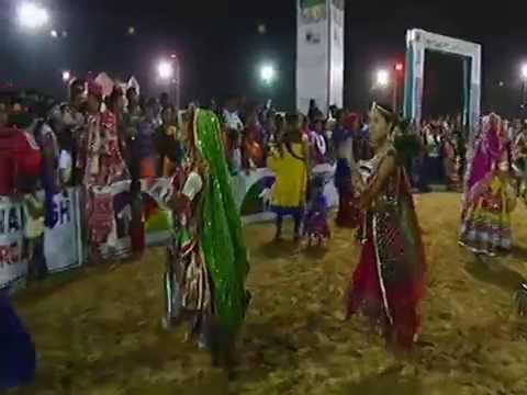 Live Garba 2014 - Lions Club Gandhinagar Navratri Dimple Pancholi (1 Oct 2014) Day 7 - Part - 2
